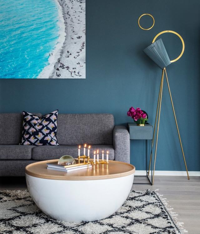 tulipaner_stue_interiør_kjøkken_sofa_sofabord_oslo_lampe-7377-1_red_20x30cm